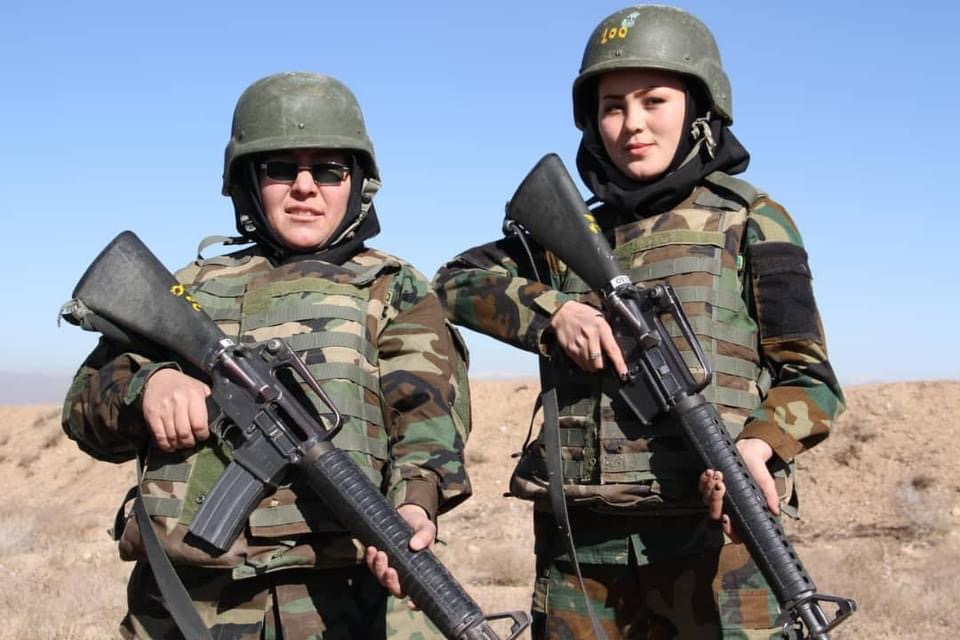 mother-and-daughter-in-army-become-role-models-for-women