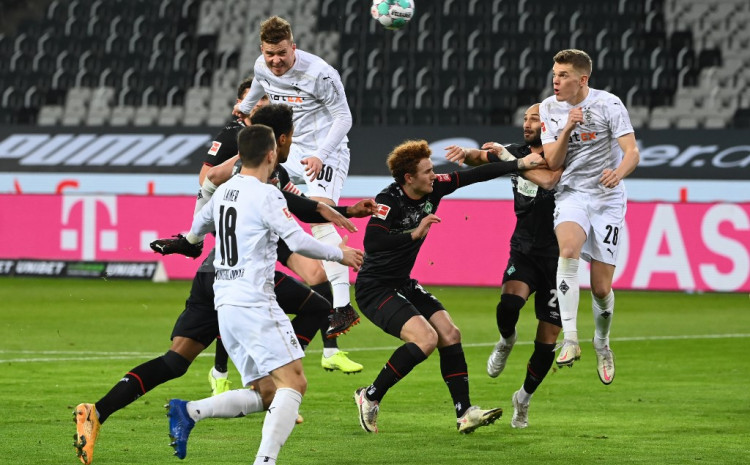 gladbach-overcame-werder-with-a-lot-of-problems
