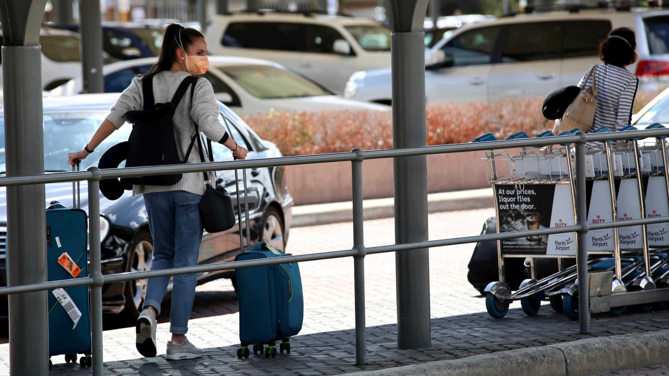 calls-to-standardise-national-covid-19-travel-rules-from-businesses-and-health-groups
