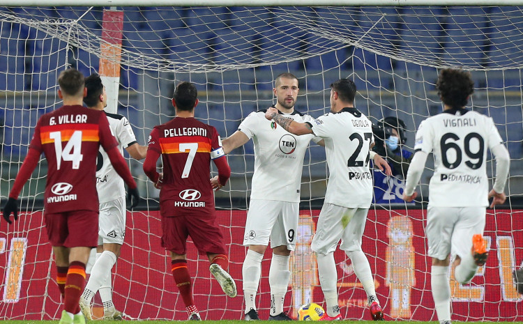 two-reds-and-extra-time:-spezia-eliminated-roma-from-the-cup