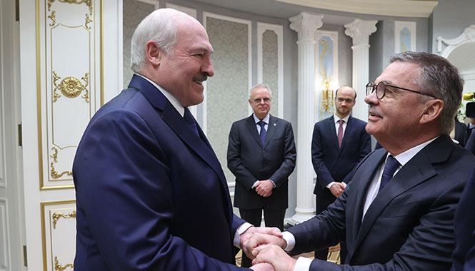 Фазель:-«Лукашенко-говорил-о-том,-что-стоит-поменять-конституцию-страны,-провести-новые-выборы»