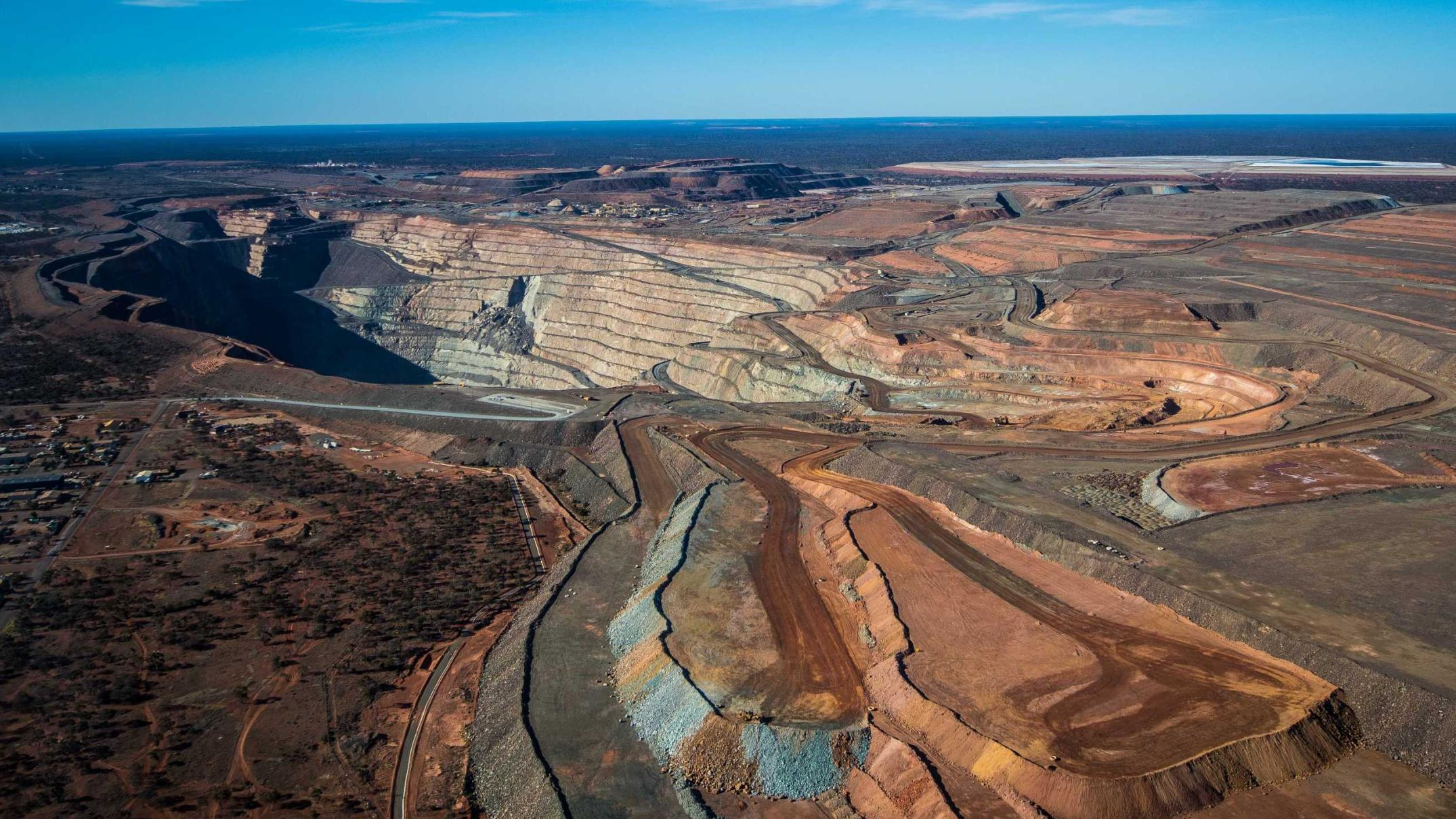merger-of-super-pit-co-owners-approved-creating-world's-eighth-biggest-gold-miner