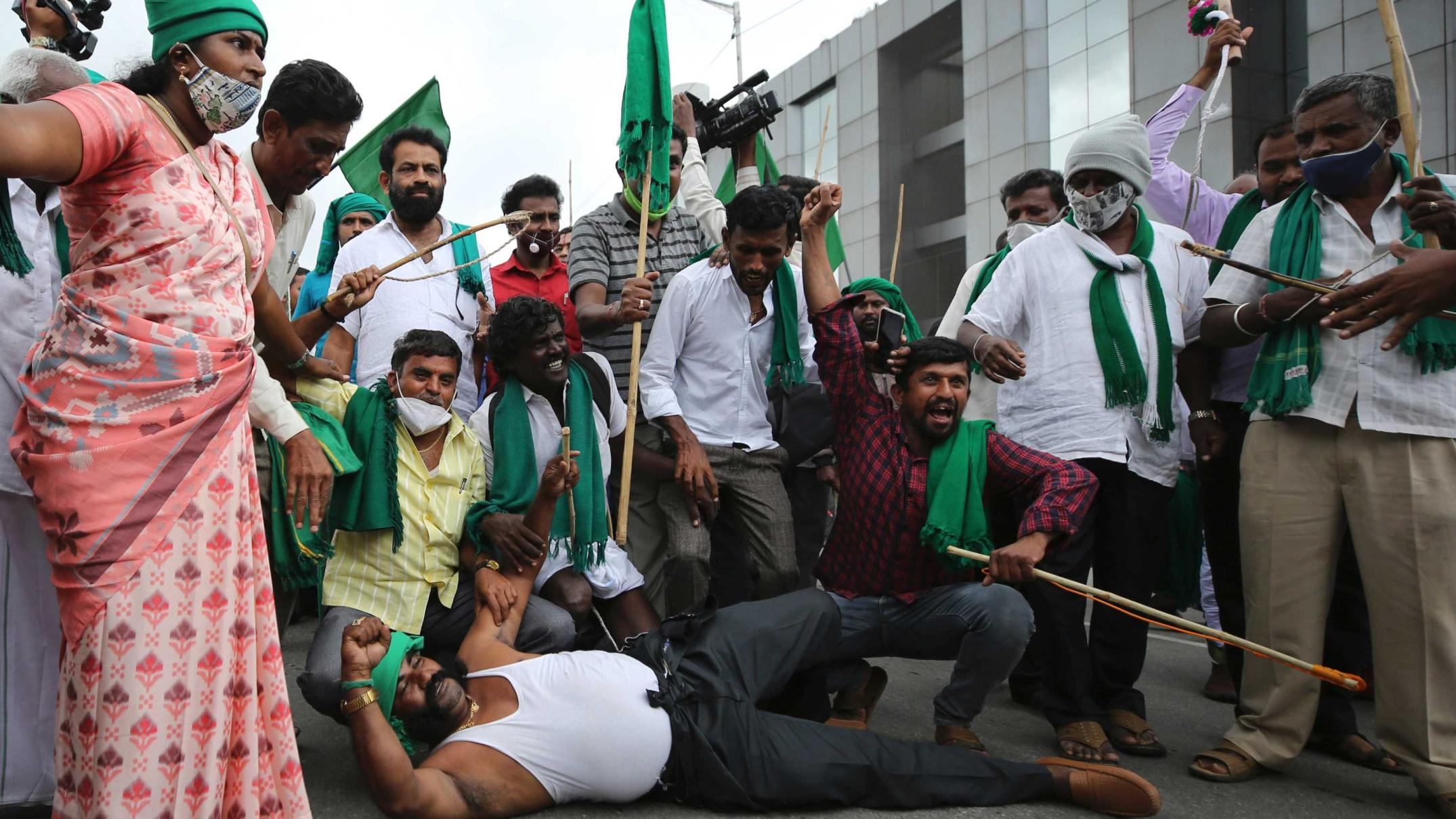 indian-farmers-fight-reform-laws,-but-changes-could-boost-trade-with-australia
