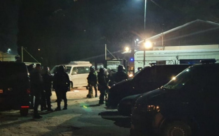 after-a-dramatic-conflict:-two-police-officers-were-injured,-seven-migrants-were-detained