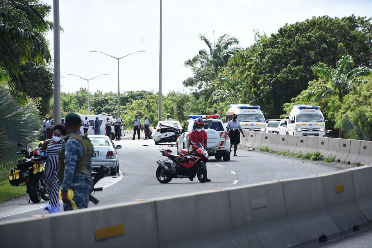several-people-injured-in-graeme-hall,-christ-church-accident