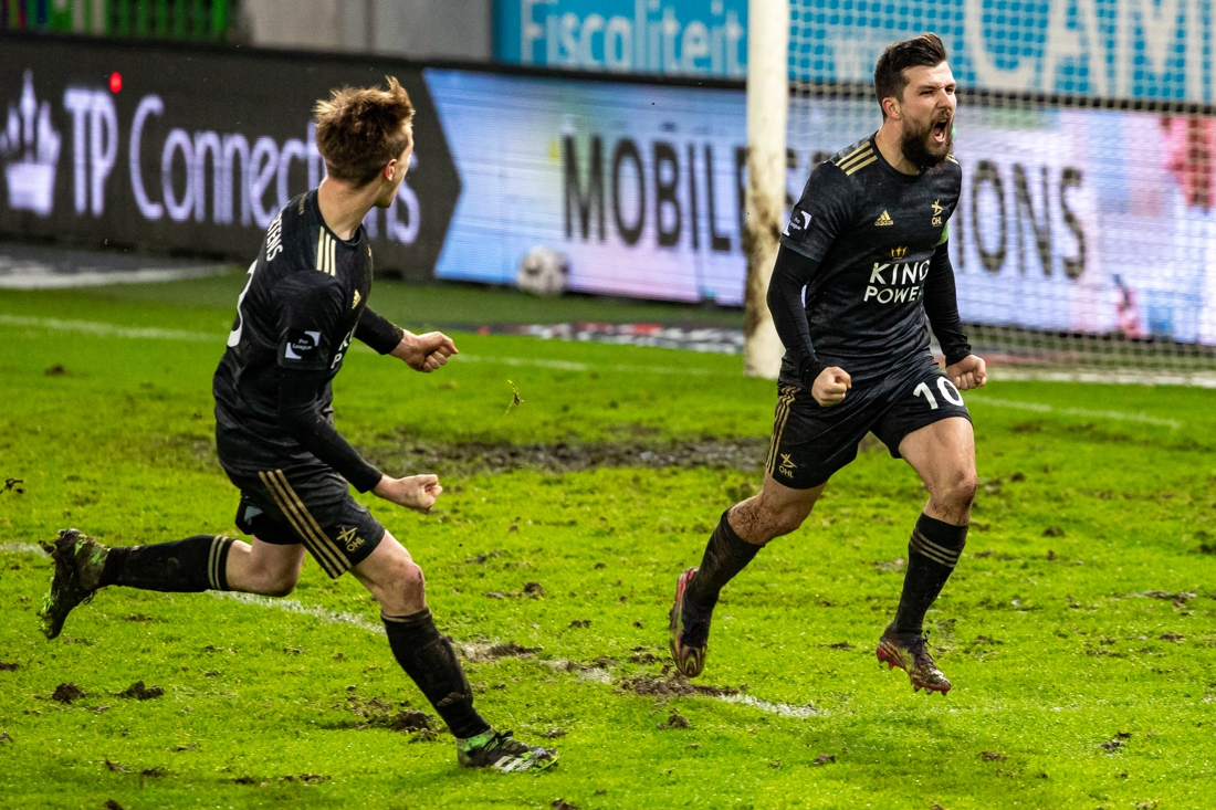 what-a-comeback:-ohl-turns-double-deficit-against-zulte-waregem-into-victory-thanks-to-penalty-(and-var)