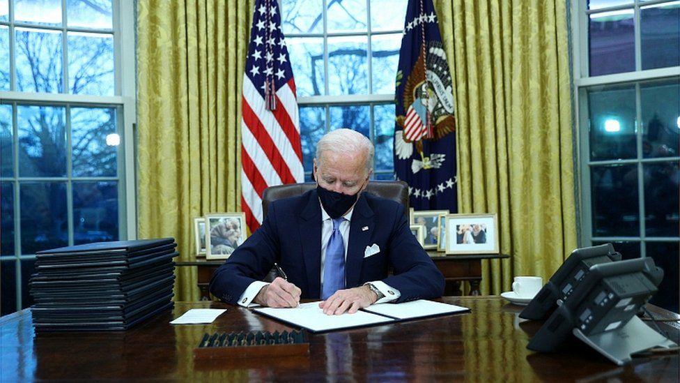president-biden-signs-raft-of-virus-orders,-masks-required-for-travel