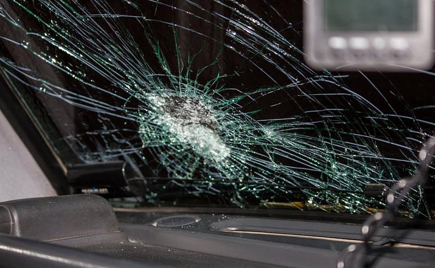 Суд-дал-полтора-года-лишения-свободы-мужчине,-который-разбил-стекло-в-милицейском-авто