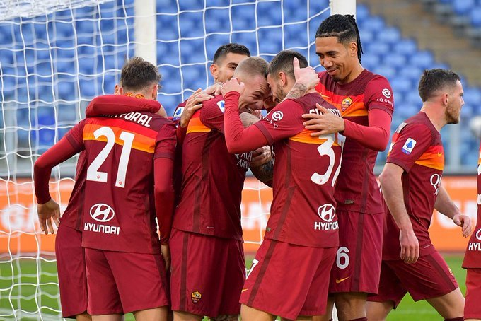 serie-a/-hakmerret-roma,-fiton-ndaj-spezia-s-në-një-ndeshje-krejtësisht-të-çmendur