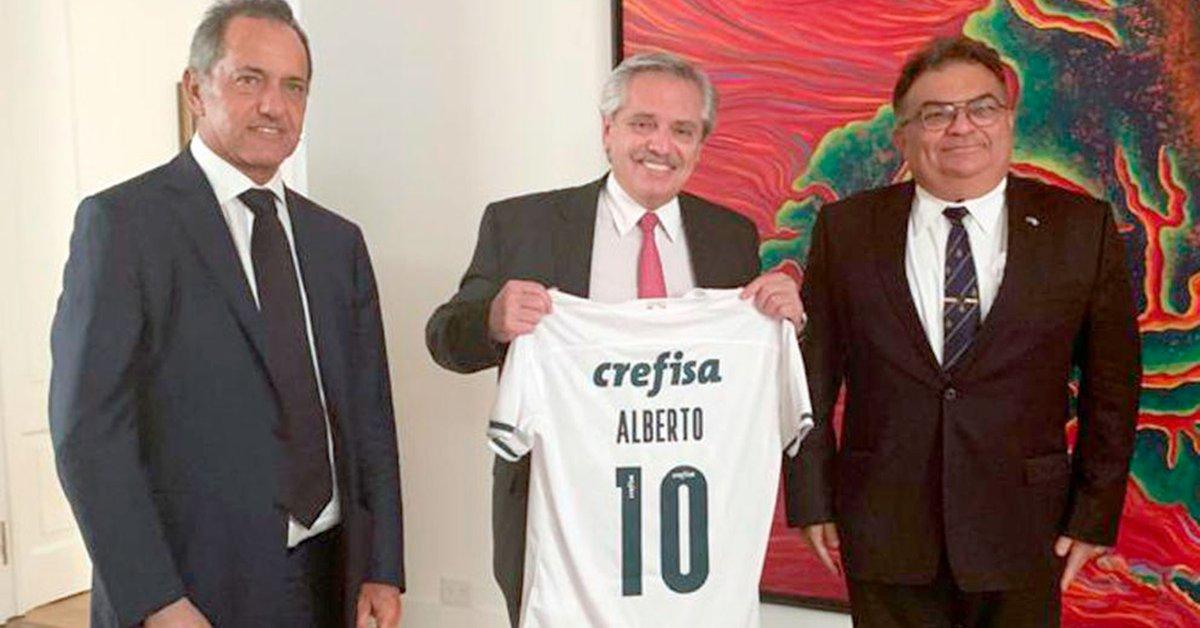 alberto-fernandez-se-reunio-con-un-alto-funcionario-de-jair-bolsonaro,-que-le-trajo-un-regalo-del-presidente-del-brasil