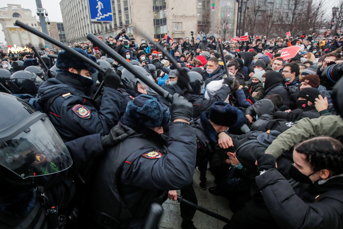 unseen-protest-against-putin-mercilessly-crushed:-more-than-3,000-people-arrested,-call-for-sanctions-against-russia