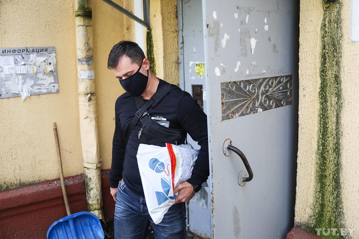 В-пятницу-в-Бобруйске-пришли-с-обысками-к-активистам-и-задержали-не-менее-12-человек.-Что-о-них-известно