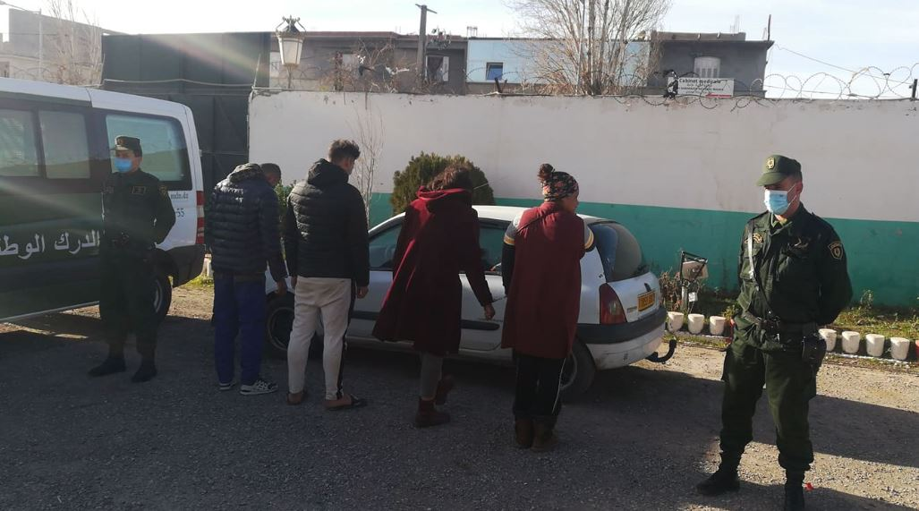 the-overthrow-of-a-gang-that-lures-drivers-into-using-a-teenage-girl-to-steal-their-cars-in-setif
