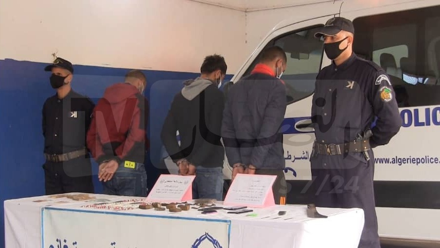 pictures-…-an-end-to-the-criminal-network-dealing-in-drugs-in-mostaganem