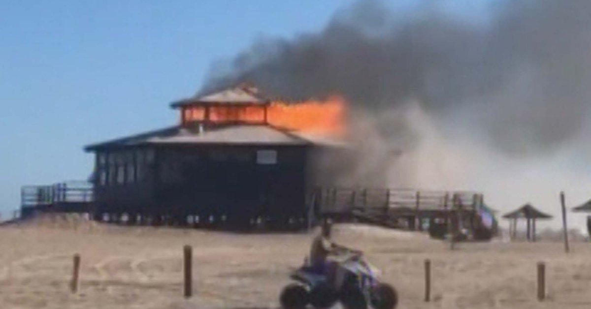 fire-in-pinamar:-the-fire-consumed-the-exclusive-parador-watson
