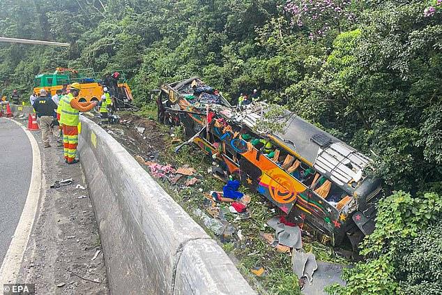 the-bus-overturned-in-&-euml;-brazil,-19-victims-among-them-and-f-&-amp;-euml;-mij-&-amp;-euml;