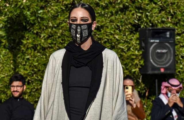 desfile-de-moda-en-arabia-saudita-combina-el-pudor-con-la-elegancia