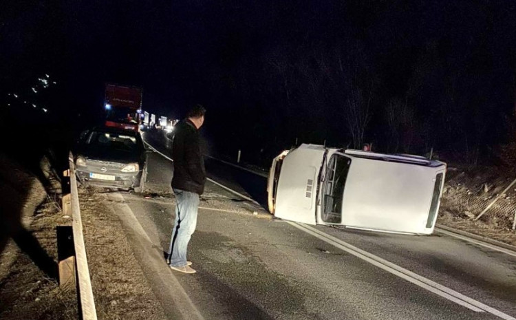 accident-near-zenica:-the-car-ended-up-on-the-roof