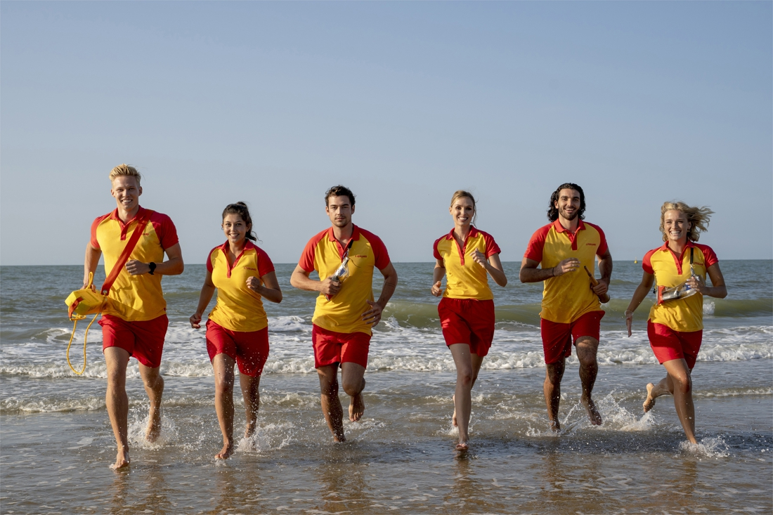 baywatch-at-the-north-sea:-julie-vermeire-and-her-boyfriend-act-together-in-a-fiction-series-about-lifeguards-on-the-coast