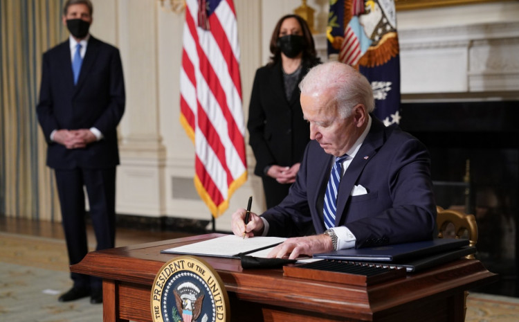 biden-signed-a-series-of-executive-regulations-to-combat-climate-change