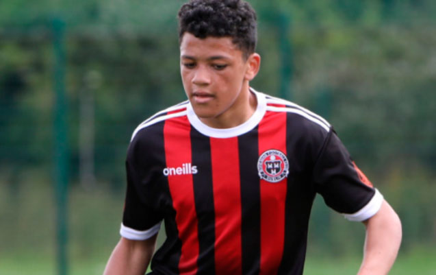 16-yasli-futbolcu-bicaqlanaraq-olduruldu