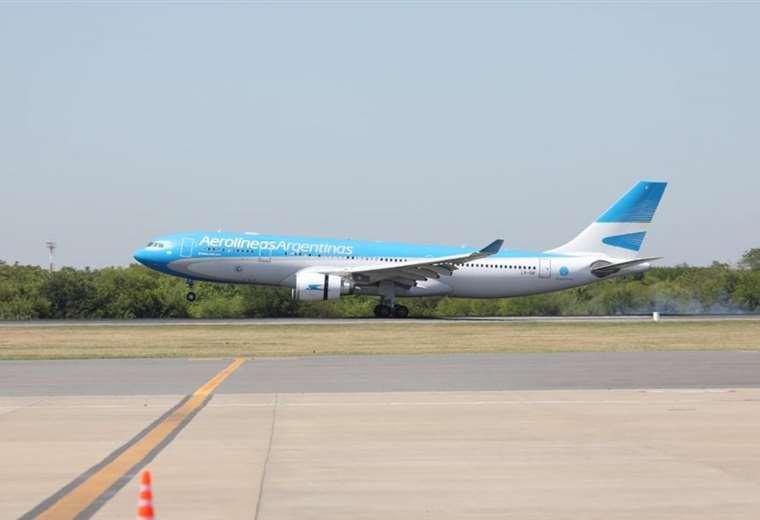 avion-argentino-aterriza-con-las-vacunas-sputnik-v;-20.000-dosis-seran-enviadas-a-bolivia