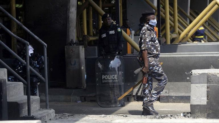 Νιγηρία:-Στρατιωτικό-αεροσκάφος-συνετρίβη-ενώ-προσέγγιζε-το-αεροδρόμιο-της-Αμπούτζα
