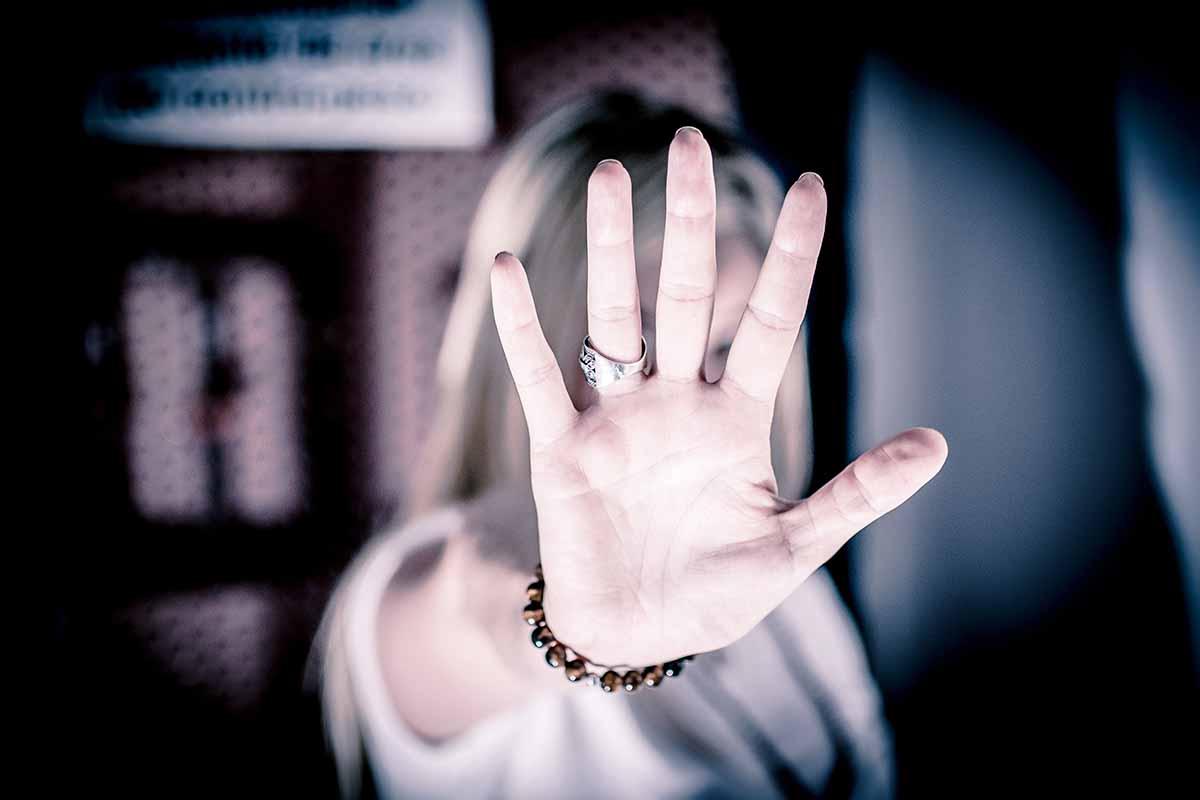 mulher-tenta-impedir-agressao-contra-filho-e-acaba-morta-pelo-marido