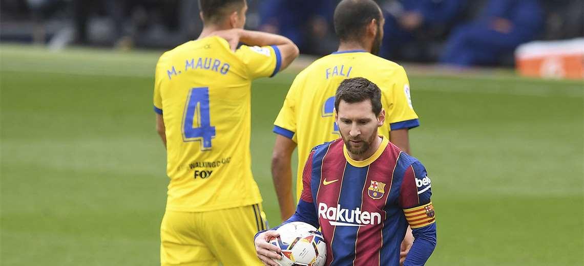 el-barcelona-cede-dos-puntos-en-casa-ante-el-cadiz