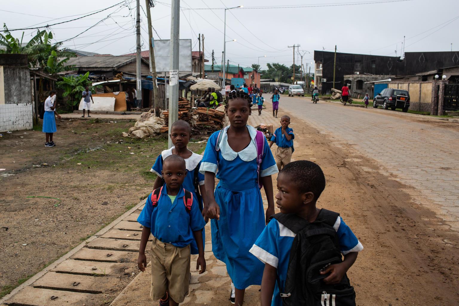 kumba:-des-eleves-auraient-recu-le-vaccin-anti-covid,-les-parents-dans-la-panique
