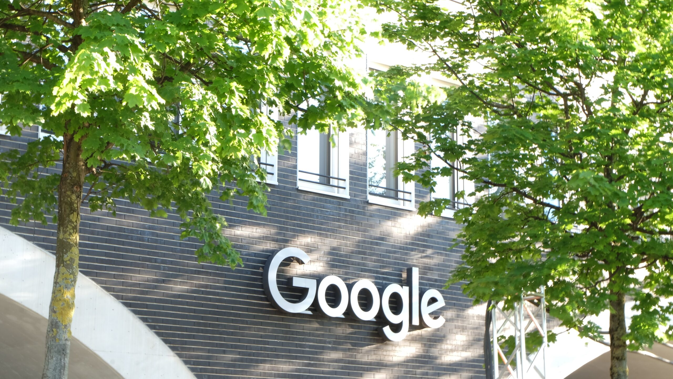 google-has-over-70-job-openings-in-ontario-right-now-&-some-of-them-are-so-unique
