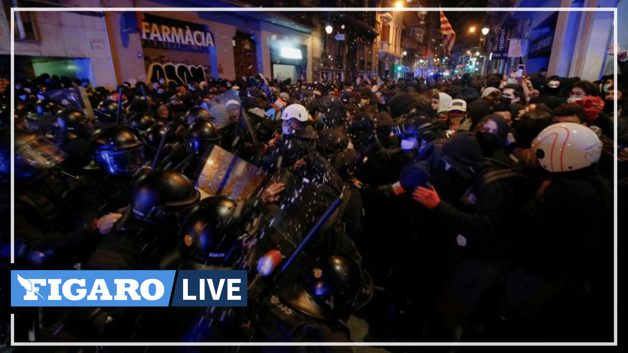 in-spain,-new-clashes-erupt-between-police-and-protesters-after-rapper-is-jailed