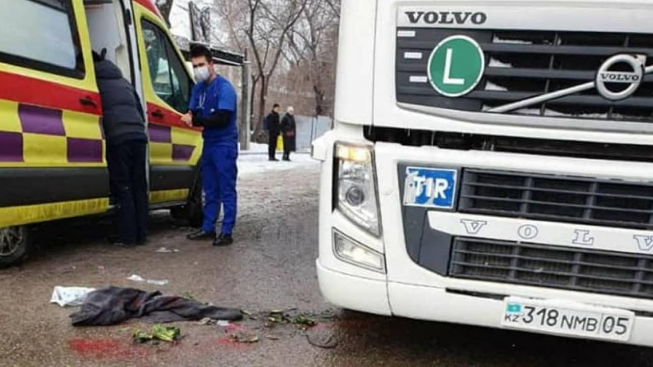 На-дороге-лежали-кости-моего-ребенка-–-мать-девочки,-попавшей-под-грузовик-в-Алматы