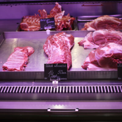 «Выгоднее-продать-в-Россию»-В-Беларуси-дорожает-свинина.-Что-говорит-торговля-и-производители