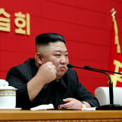 kim-jong-un-da-vina-pentru-criza-alimentara-din-coreea-de-nord-pe-taifunuri-si-pandemia-de-coronavirus