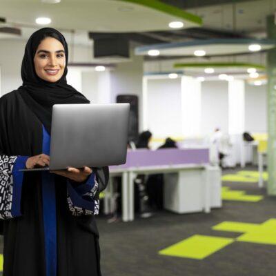 تعميم-وزاري:-وظائف-الاتصالات-وتقنية-المعلومات-في-الوحدات-والشركات-الحكومية-للعمانيين-فقط