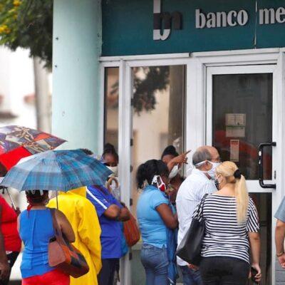 bancos-cubanos-reajustan-sus-horarios-para-el-deposito-de-dolares-estadounidenses
