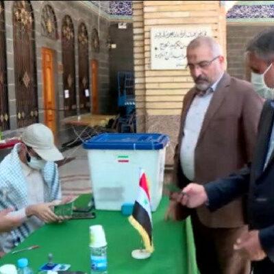 وزیر-راه-و-شهرسازی-در-حرم-حضرت-زینب-(س)-در-دمشق-رای-خود-را-به-صندوق-انداخت