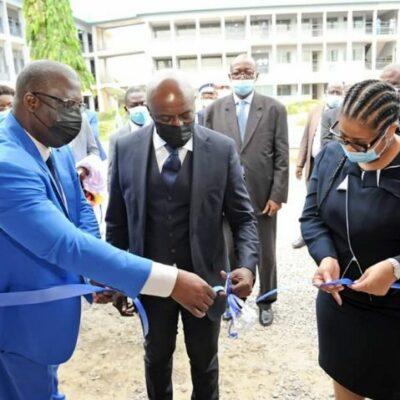 tic-:-le-ministre-roger-adom-inaugure-le-centre-de-formation-et-de-certification-pearson-vue
