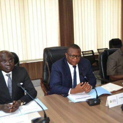 communication-et-medias-:-le-ministre-amadou-coulibaly-rencontre-les-corporations-du-secteur