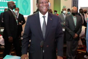 59e-sommet-ordinaire-des-chefs-d'etat-et-de-gouvernement-de-la-cedeao-:-le-president-alassane-ouattara-a-accra