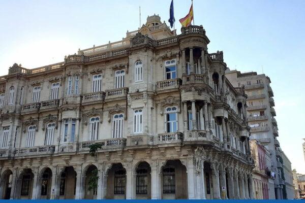 continua-cierre-de-visados-y-notaria-en-consulado-de-espana-en-la-habana