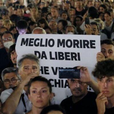 Κινητοποιήσεις-σε-εννέα-πόλεις-της-Ιταλίας-από-αμφισβητίες-του-«πράσινου-πάσου»