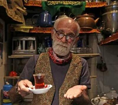 treats-and-tradition-in-tehran's-oldest,-tiniest-teahouse