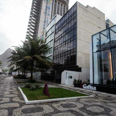 pure-luxury:-building-on-the-edge-of-leblon-has-a-square-meter-at-r$-105-thousand;-meet