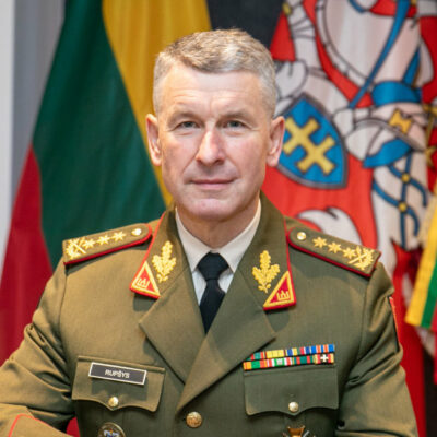 the-commander-of-the-armed-forces-thanked-the-us-general-for-the-presence-of-their-troops-in-lithuania-through-zapad