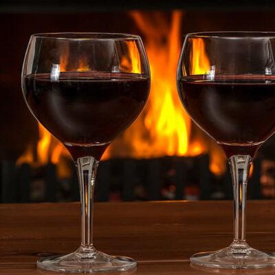pochi-comprano-il-vino-perfetto-per-una-serata-romantica-e-piena-di-sensualita