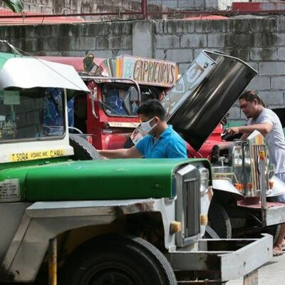 dotr-to-recommend-hike-in-puv-passenger-capacity