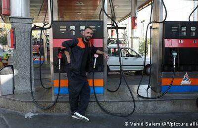 irans-tankstellen-haben-kein-benzin