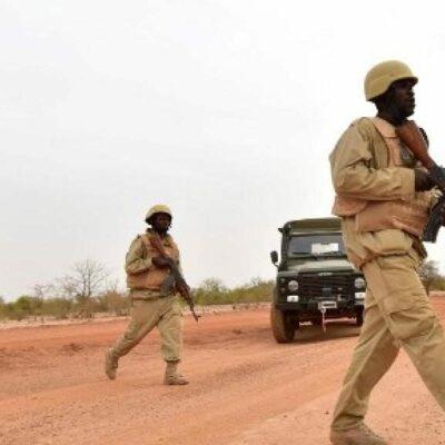 burkina-faso:-trois-militaires-tues-dans-une-attaque-dans-l'ouest-du-pays